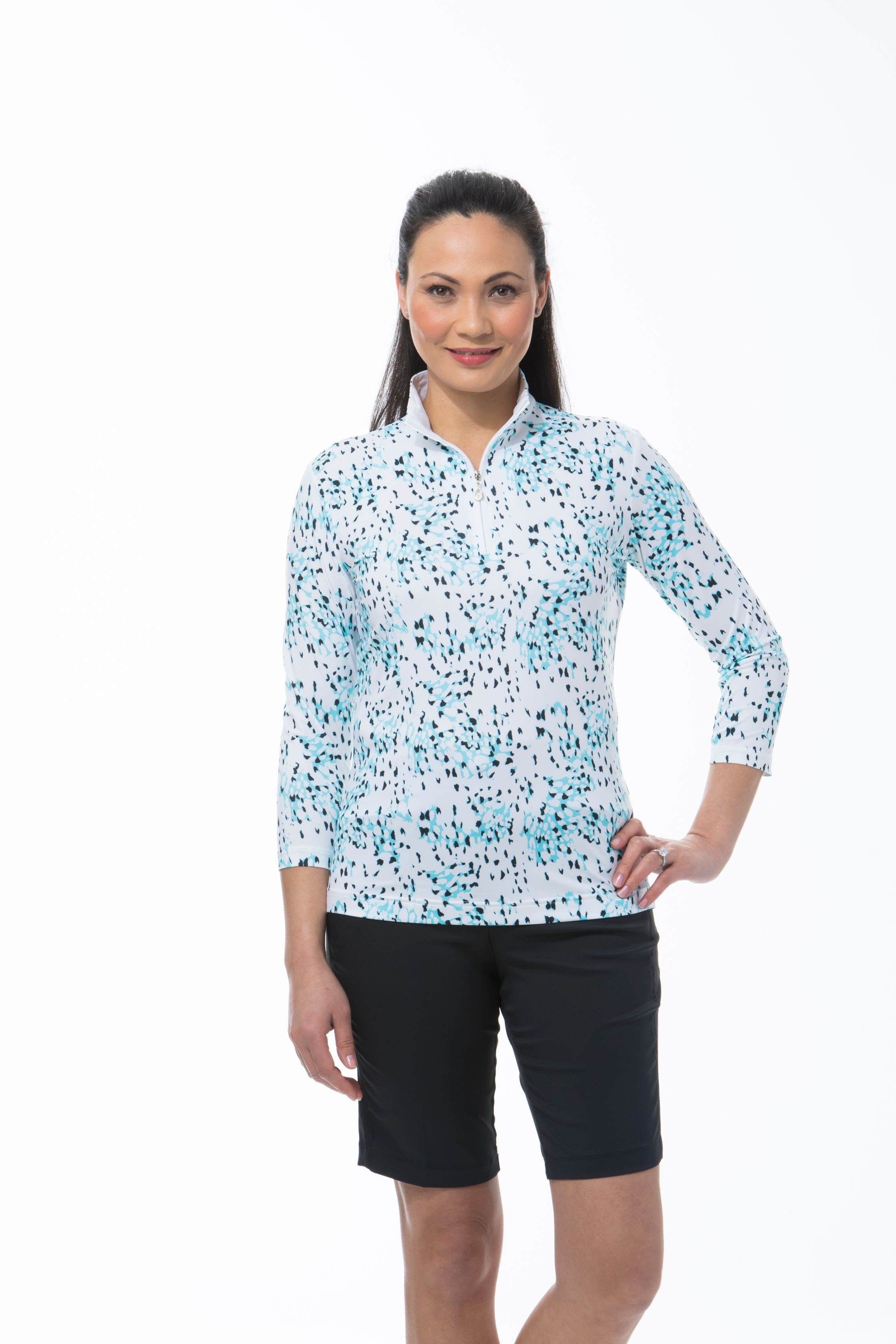 900476 SOLCOOL 3/4 SLEEVE PRINT MOCK - Snow Leopard. Capri Blue